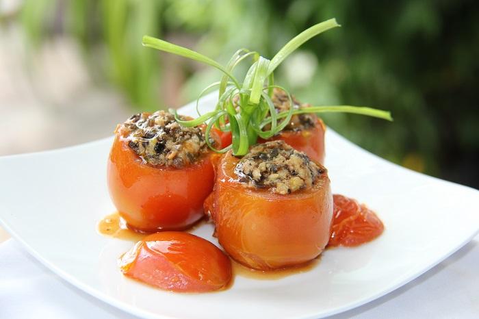 Cà chua nhồi thịt xốt xì dầu